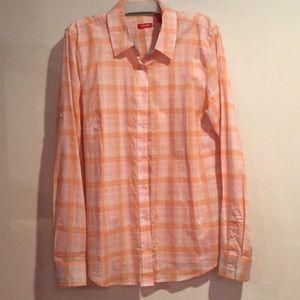 Women's casual button down shirt